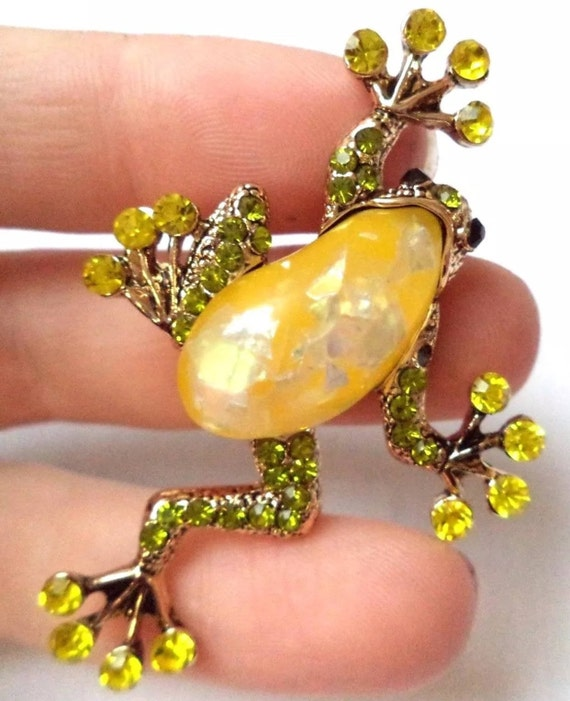 Adorable Signed Ali Lang Jelly Belly Frog Brooch