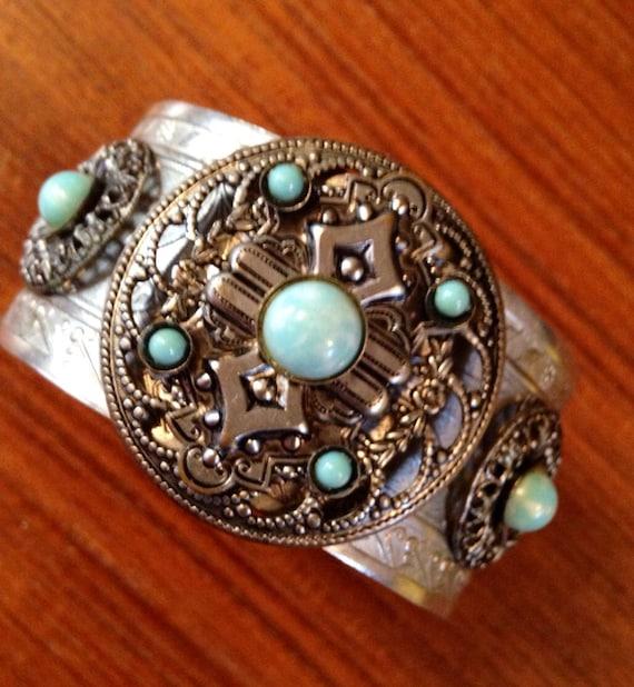 Vintage Costume turquoise southwestern Native American styled cuff bracelet