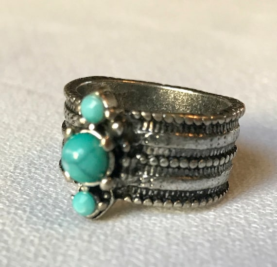 Vintage Faux Turquoise Boho Ring, Chunky Tribal Silvertone Fun 70s Costume Jewelry, Boho Bling  Ring