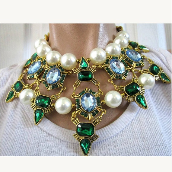 Beautiful Blue & Green Rhinestone Gem and large Faux Pearls Gothic Collar Choker Necklace set in Goldtone