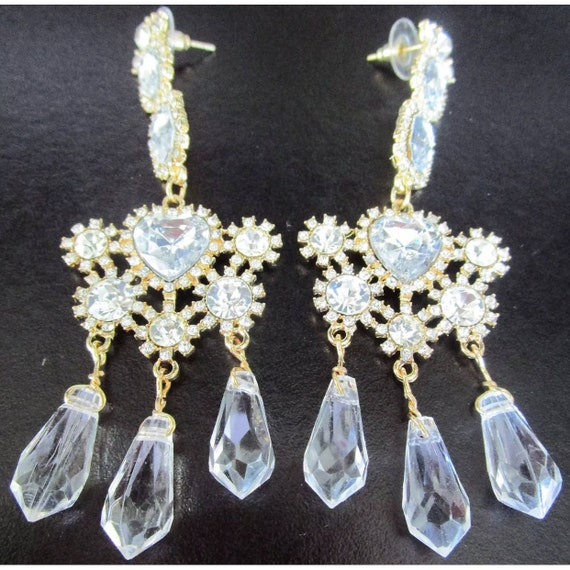 Beautiful Faux Crystal Sparkling Ice Rhinestone Heart Statement Earrings