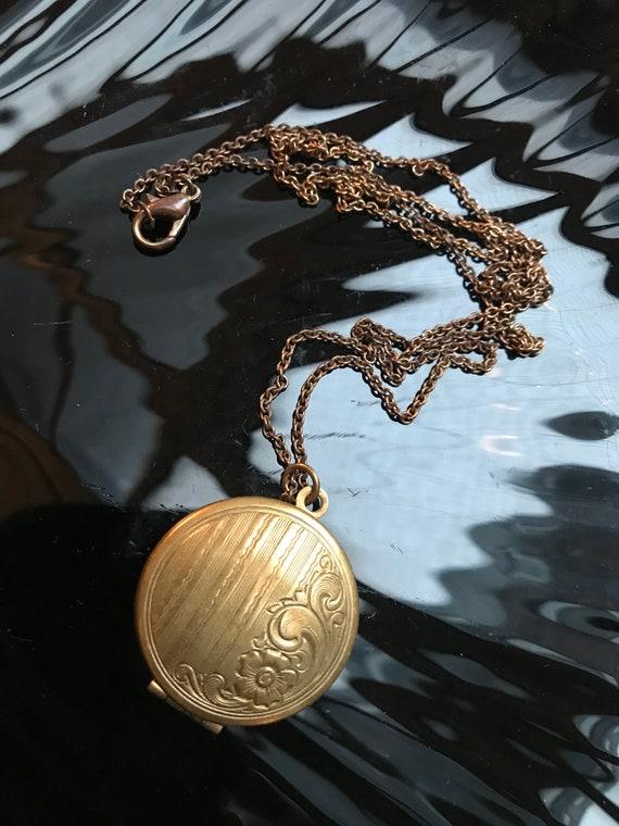 Beautiful Art Deco Revival Locket Pendant in Embossed Decorative Brassy Goldtone, Sweet Sentimental Gift