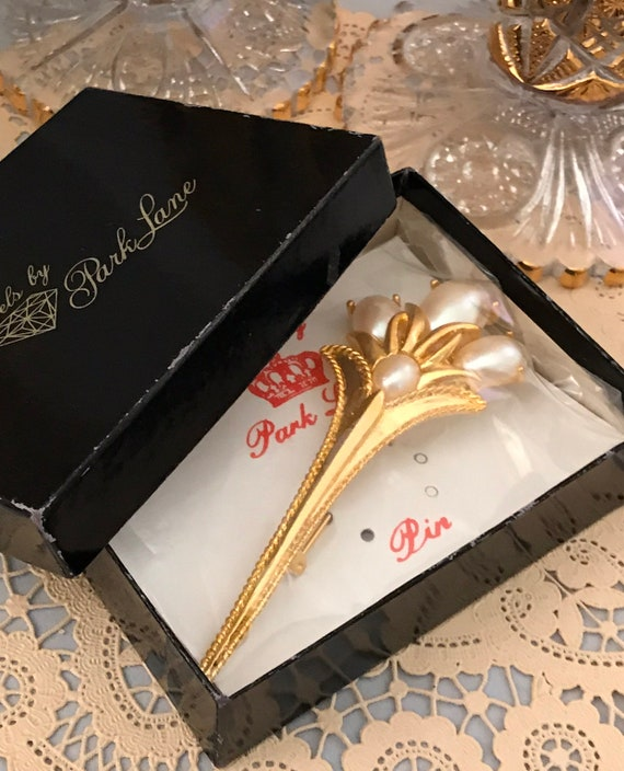 Art Deco Lapel Pin by Park Lane, Fluted Faux Pearl Golden Bouquet Vintage Brooch still in Original Box and packaging, Collectible