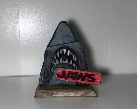 Jaws Shelf Sitter