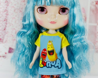 Handmade T-shirt for Blythe / Icy / Pullip / Azone / Momoko / Obitsu Fashion Doll - dress / clothes / outfit 01262 LARVA