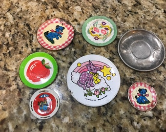 Vintage lot of 7 tin dishes. Pretend play. Doll house