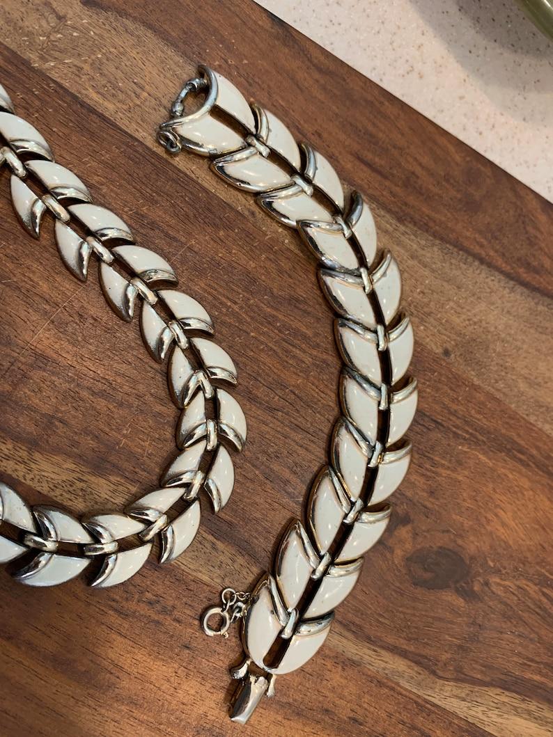 Mid century modern Costume jewelry. Vintage jewelry Vintage CORO bracelet and necklace set