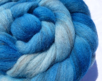 Turquoise Polwarth & Merino D'Arles Blend - Hand Dyed Wool Roving (Top) - 100g