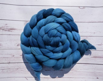 Teal Rambouillet - Hand Dyed Wool Roving (Top) - 100g