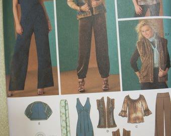 Simplicity 2476 Misses Size D5 (4-6-8-10-12) and P5 (12-14-16-18-20) jumpsuit, pants, top, reversible vest, shrug and scharf