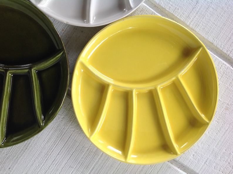 divided plates 3 Vintage 9.5  stoneware Fondue plates yellow and white grill plates Mid century pottery avocado green Sushi plates