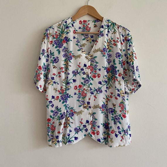 vintage white floral button up top blouse ruffle p