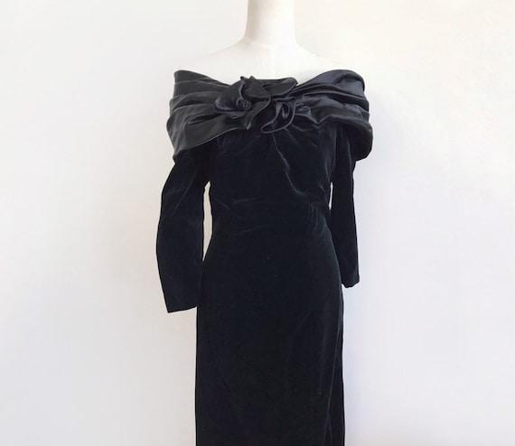Vintage black velvet dress / off shoulder formal d