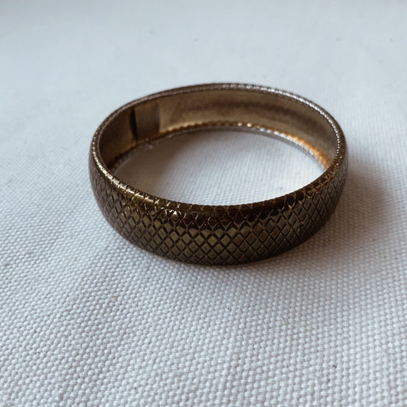 vintage gold bronze brass floral textured print bangle cuff bracelet boho