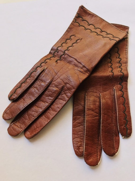 vintage leather gloves // brown leather gloves //