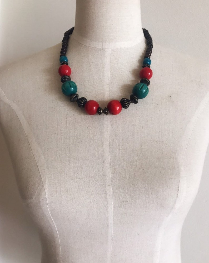 Vintage wooden necklace  red and blue turquoise necklace   vintage short necklace