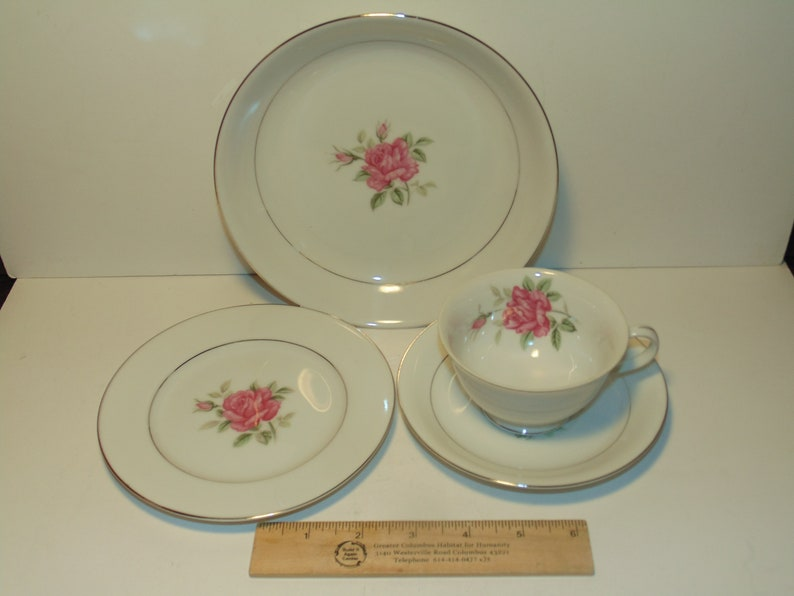4 Pieces Vintage Pink Rose and Platinum Trim China Elegant Dinnerware CTSI Brittany Rose Made In Japan Bowl Teacup Saucer Bread Plate