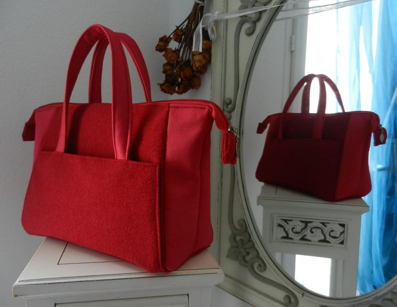 9933cb9ff9c0 Small Boudoir bag in red fluffy fabric.