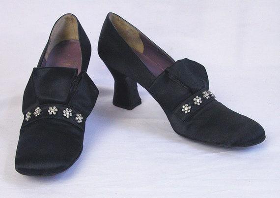 1960s Jerry Edouard Shoes ~ Black Silk Mod Court S