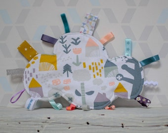 Doudou labels Scandinavian cloud - House, trees, flowers - grey, white, mustard, Teal - birthday gift - baby 3 to 12 months