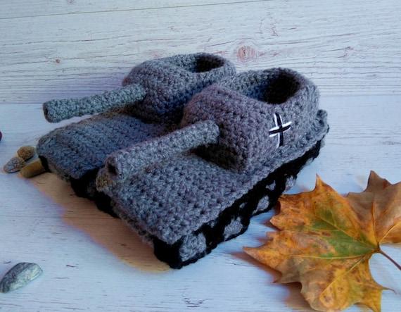 Häkeln Sie Tank Hausschuhe Tank Hausschuhe Freund Geschenke Panzer Hausschuhe Valentinstag Geschenk Panzer 1 Hausschuhe Tankschuhe Tank Schuhe für ihn