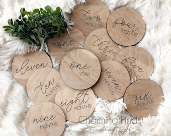 Round Wooden Milestone Cards | Baby Photo Props  | Baby First Year | Montly Milestone | Milestone Disc | Nursery | Baby Shower Gift