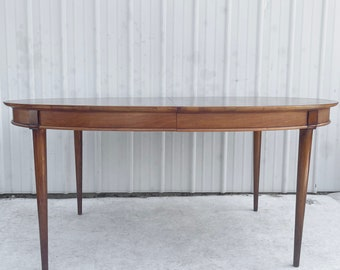 Mid-Century Modern Dining Table With Three Leaves