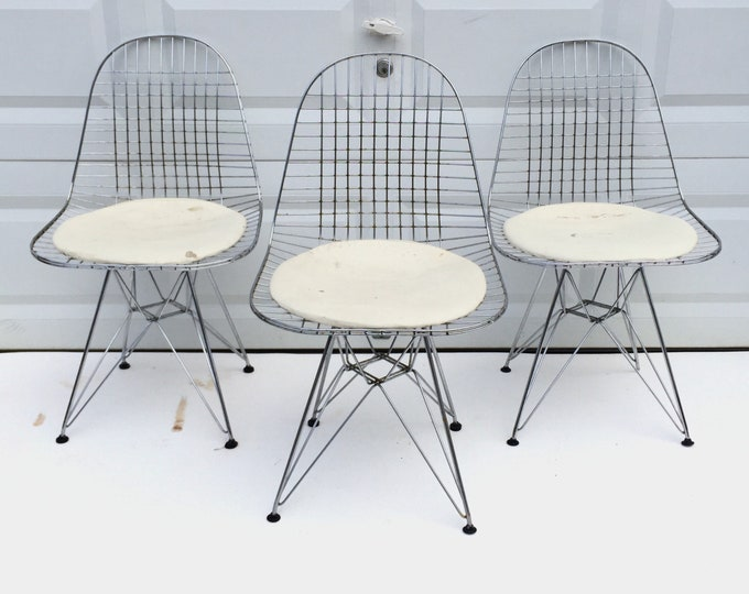 Set of Eames Eiffel Style Wire Chairs-