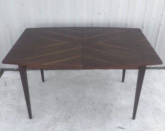 Mid-Century Modern Dining Table With Leaves