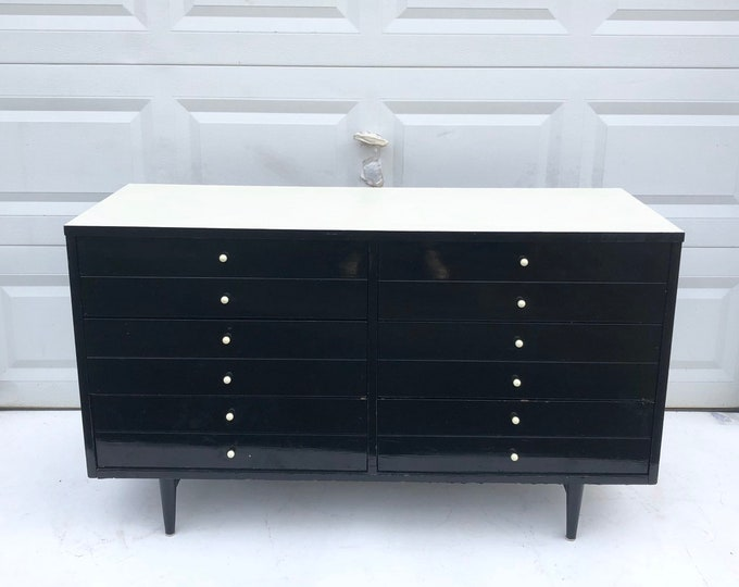 Mid-Century Modern Bedroom Dresser by American of Martinsville