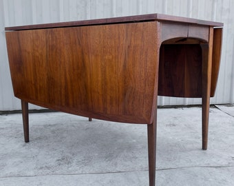 Mid-Century Modern Drop Leaf Dining Table W/ Extra Leaves