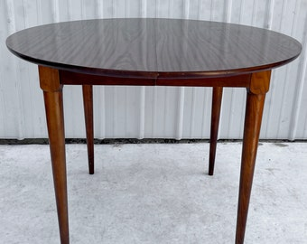Mid-Century Circular Dining Table With Leaves