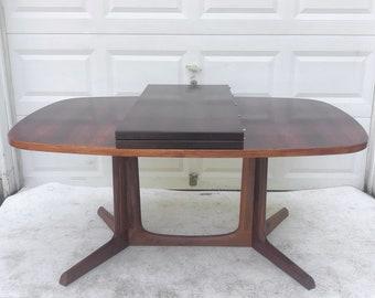 Scandinavian Modern Rosewood Dining Table by Niels Koefoed