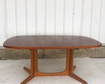Scandinavian Modern Teak Dining Table by Gudme Mobelfabrik