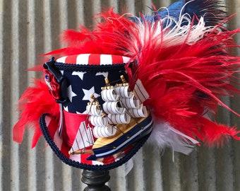 Womens Mini Pirate Buccaneer Tri-Corner Tricorner Hat Cap Alligator Hair Clip Fascinator Halloween Cosplay Theater Red Bow Black Lace