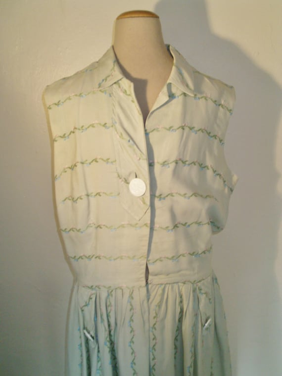 1950s green cotton day dress linen embroidered pastel Urp6q7xU