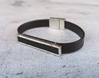 Men's casual black leather and glass bracelet, elegant gift for anniversary or birthday, accessory for wedding and suit, jewelry for tuxedo