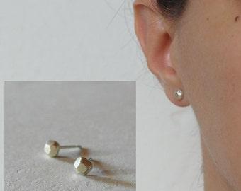 Faceted earrings sterling silver earrings nugget earrings post earrings minimal stud earrings geometric earrings - amejewels