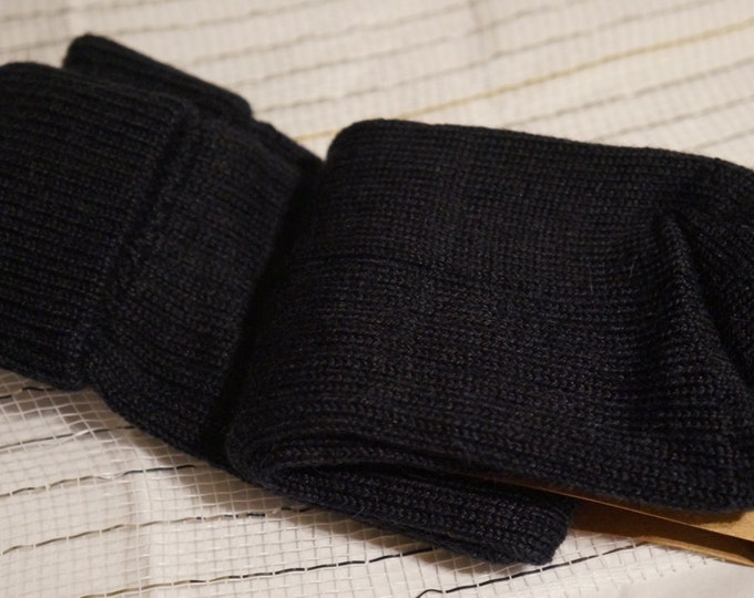 Alpaca socks infused with Aloe - Womens - ribbed stitched - warm dry insulation - fine lustrous alpaca - Black - Small, Medium or large