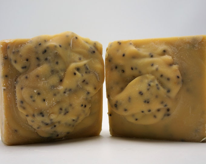 Fresh from the farm Goat Milk Soap-Natural soap NO Palm Oil-Blackberry Sage weigh minimum of 5 oz- luxurious Babassu Oil w Blackberry Seeds