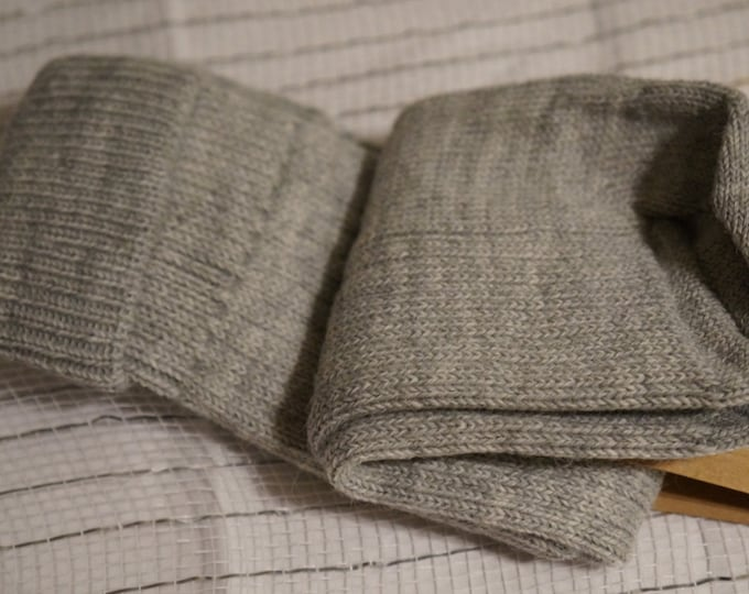 Alpaca socks infused with Aloe - Womens - ribbed stitched - warm dry insulation - fine lustrous alpaca - Gray - Large