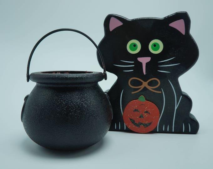 Goat Milk & Epsom Salt Cauldron Bath Fizzy - comes with Spider Ring- soft skin - smells great - throw the cauldron in the bath Halloween fun