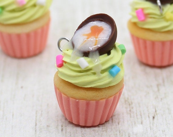 Creme Egg Cupcake Charm - Stitch Marker - Miniature food - Progress Keeper - Polymer Clay Charm - Ready to ship