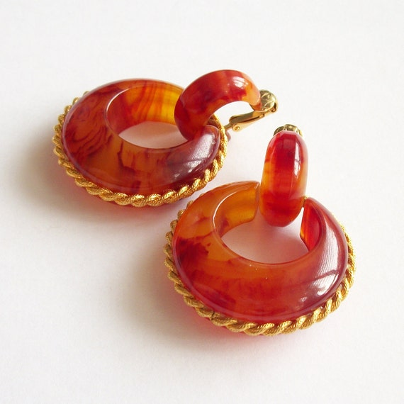 Vintage Early Plastic Hoop Earrings Orange Brown C
