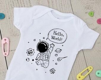 Personalized Name Toddler//Kids Sweatshirt World Mashed Clothing Hello Im Amber