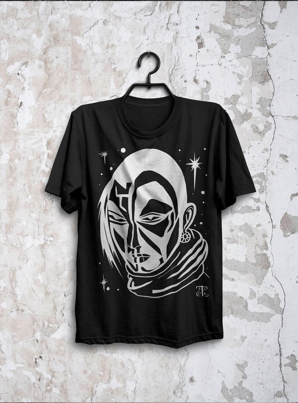 Burning man Man Mad Max galactique espace homme Star galactique Max voyageur Tshirt noir à la main Illustration originale, écran impression fait main 45805d