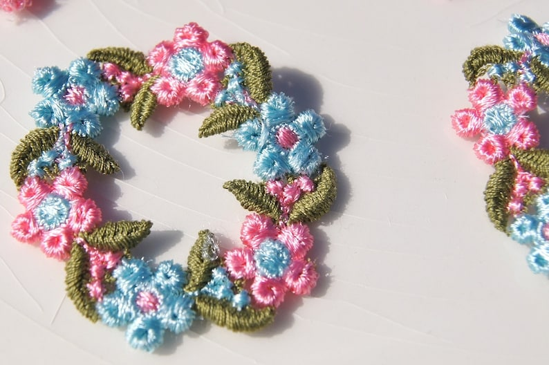 Vintage white blue pink flower embroidered applique vintage etsy