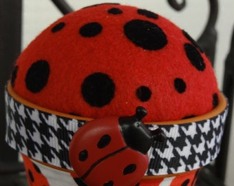 Ladybug #19: Stick-It-To-Me! Pin Cushion