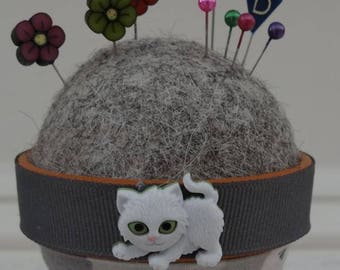 Cat #1: Stick-It-To-Me! Pin Cushion