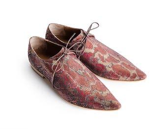 5bc26639ca Israeli woman shoes
